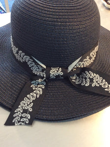 Black Leaf Bow Hat