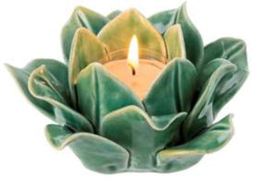 Spring sprout tea light-green