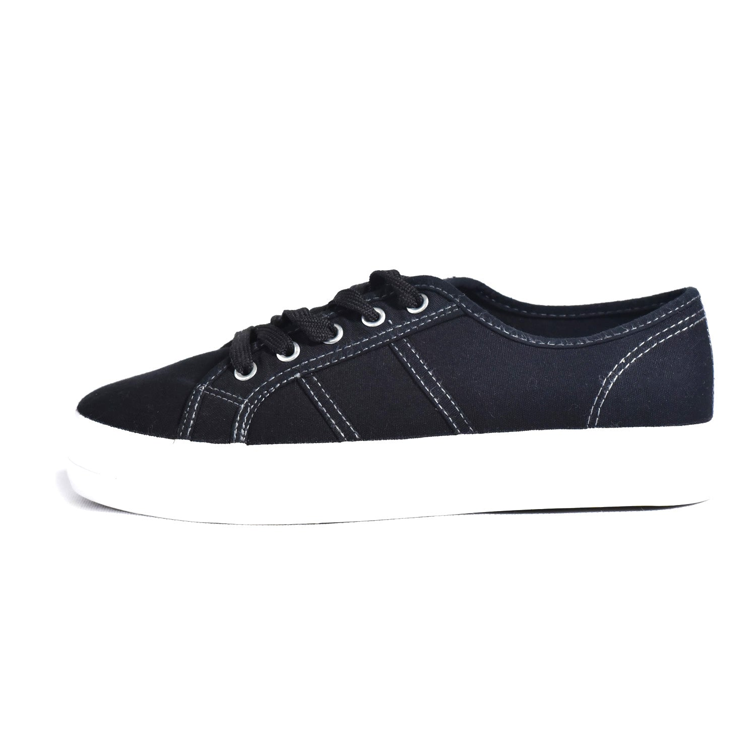 Sneakers shoe with multiple tie