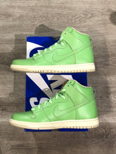 Load image into Gallery viewer, Nike SB Dunk High Statue of Liberty
