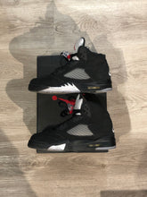 Load image into Gallery viewer, Jordan 5 Retro Black Metallic