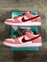 Load image into Gallery viewer, Nike SB Dunk Low Pro Strange Love