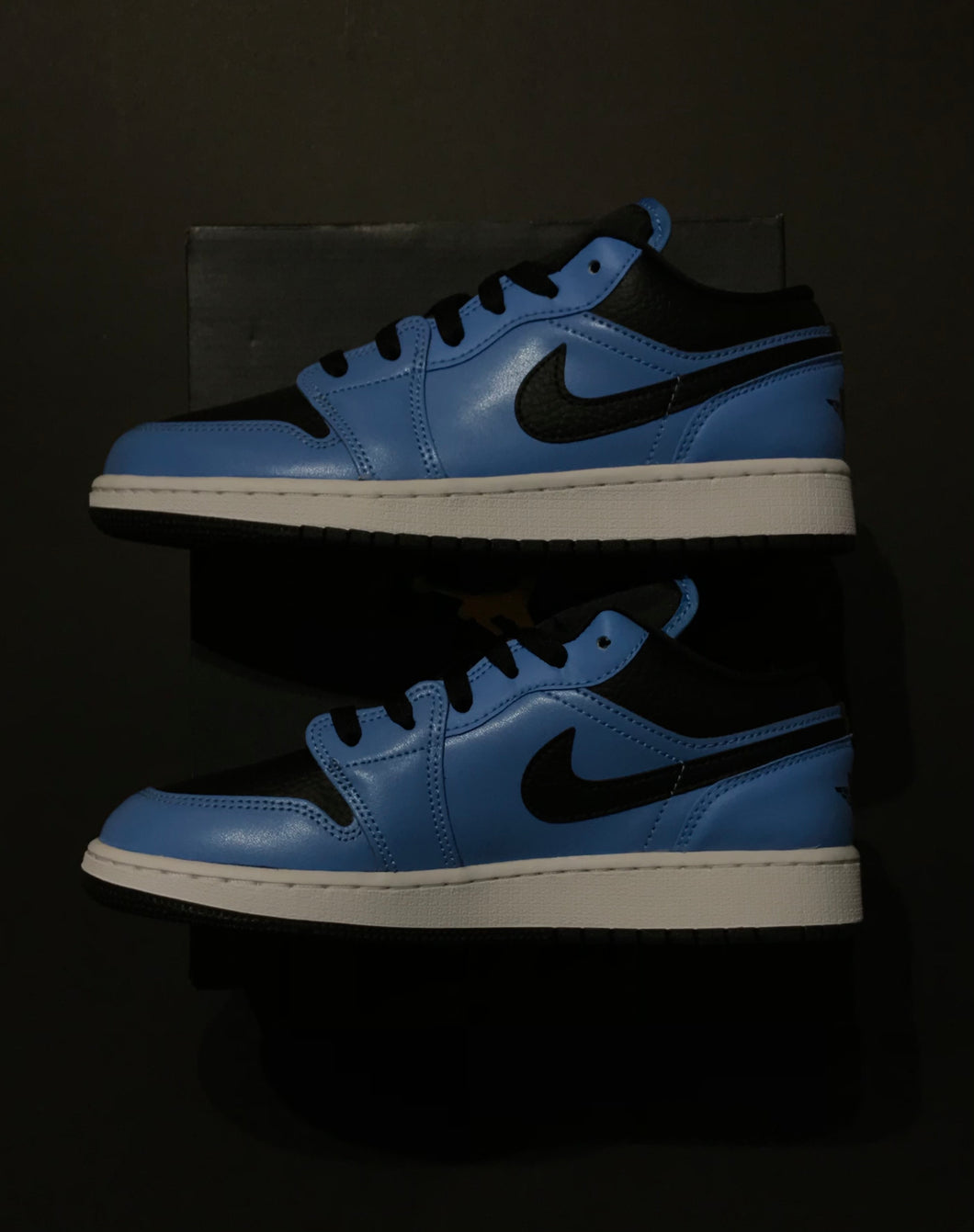 Jordan 1 Retro Low University Blue Black