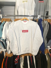 Load image into Gallery viewer, Supreme FW18 Box Logo Crewneck