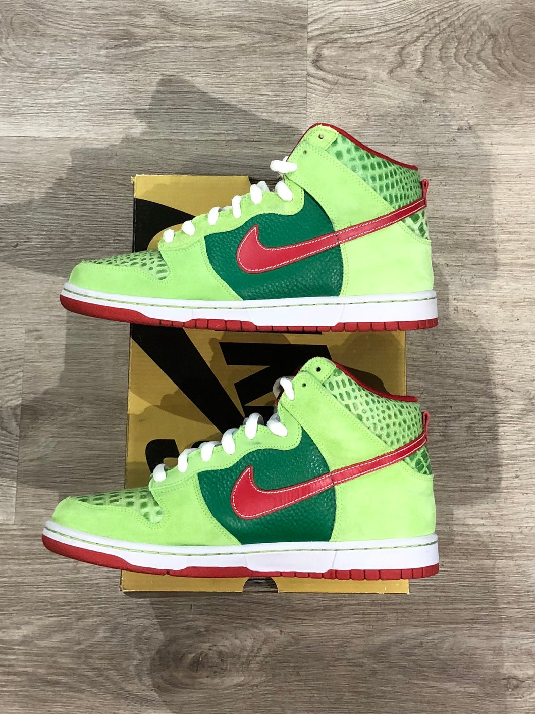 Nike SB Dunk High Pro Dr. Feelgood