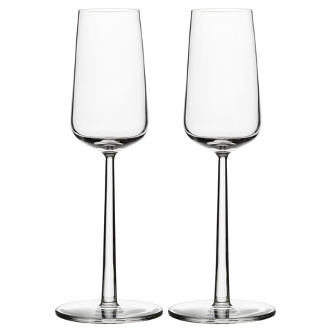 Essence Champagne Flutes feature a thin lip, delicate stem and tall, narrow flute which allows the champagne to stay chilled and keep its signature carbonation. Two pieces.