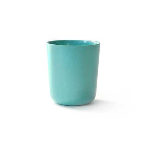 Medium-sized cup in light blue