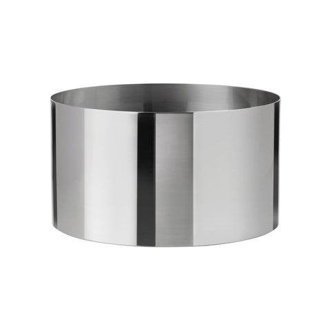 Cylindrical steel vessel with thin, straight sides.