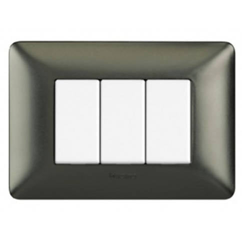 Bticino Three Modules Wallplate (Chrome) adds a high-end feel to your walls by hiding the normally visible mounting screws - AM4803GRC