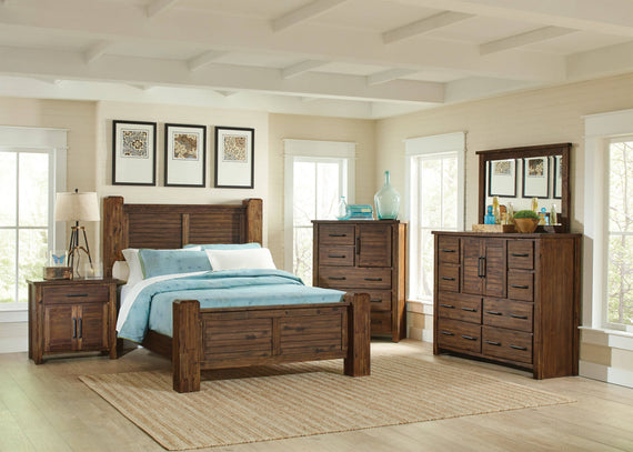 Sutter Creek Eastern King Bed With Block Posts Vintage Bourbon - 204531KE