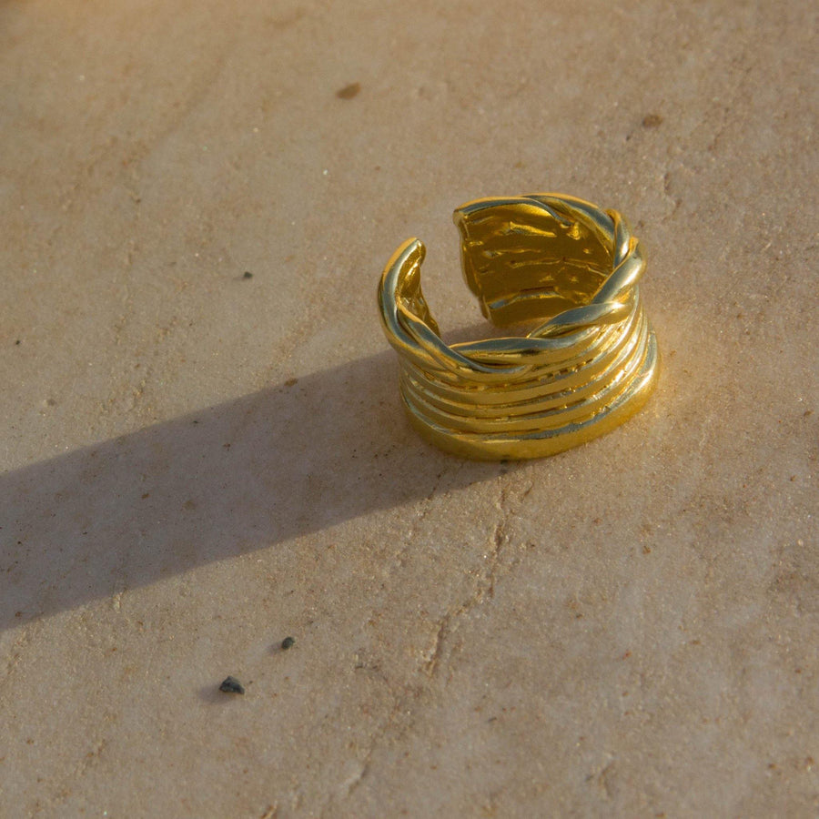Ysso-Twist-Stemma-Gold-Ring-3