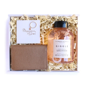 Gift box for girls containing bubble bath, star ring and leather travel card wallet