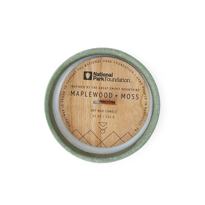 The Great Smoky Mountains' Maplewood & Moss Candle