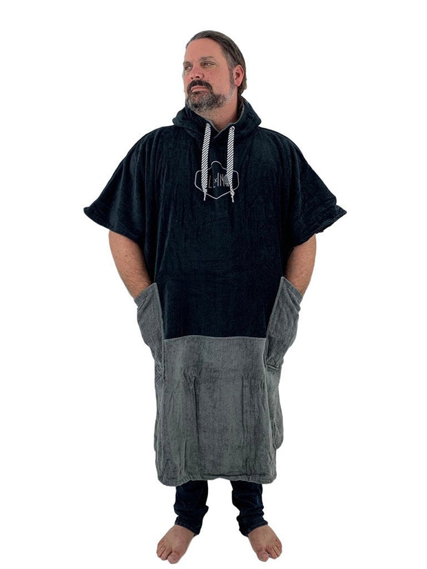 ALL-IN Bumpy Line Big Foot Poncho Black/Charcoal - Wake Stoff