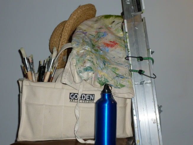 What I Pack to Paint Outdoors (En Plein Air)
