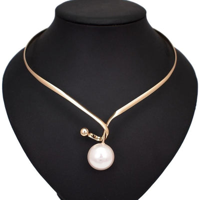 Maxine Necklace with Pendant - DERNIER CRI