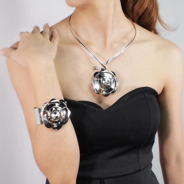 Rose Flower Torque Necklace & Bracelet Set - DERNIER CRI