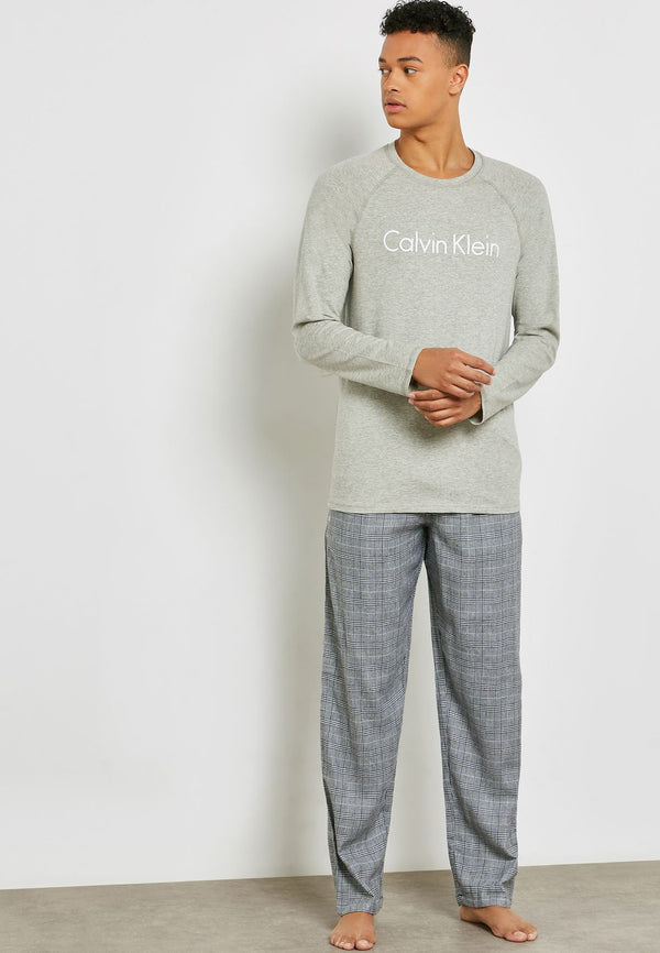 CALVIN KLEIN Essential T-Shirt And Pyjama Set
