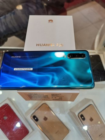 Used Huawei p30 new just few days used same new condition box with all accessories with full warranty for sale