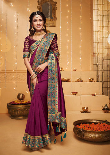 Magenta Thread and Zari Embroidered Lace Border with Embroidered Blouse Saree with Blouse
