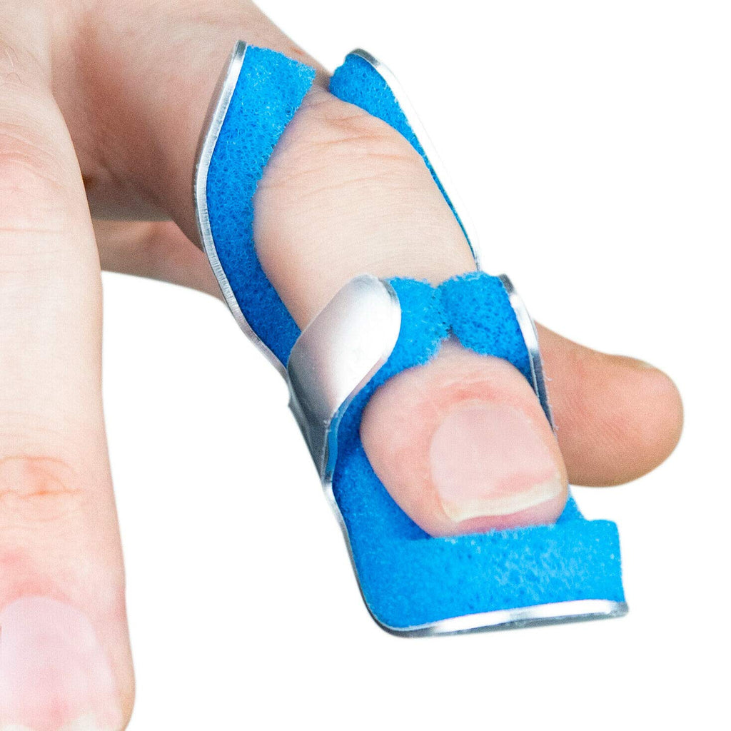 New Finger Immobilising Splint with Soft Foam - Ideal for Broken/Fractured Finger or Thumb, Arthritis - Trigger Finger - Frog Mallet/DIP Joint Protection Injury Pain Foam Brace by Solace Care (S)