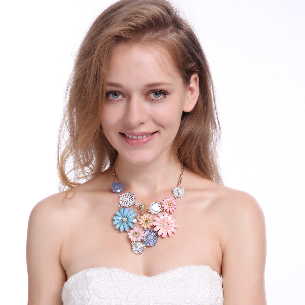 Bohemia Crystal Flower Exaggerated Pendant Necklace For Women