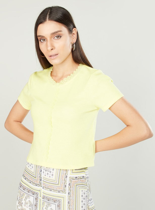 Lace Detail T-shirt with Round Neck and Short Sleeve
