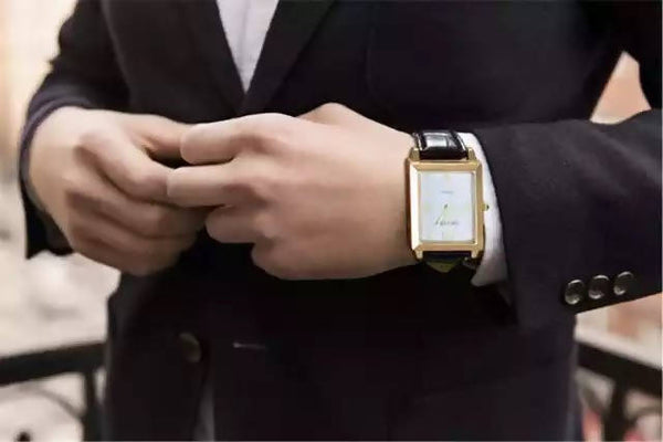 Fashion Men Wristwatches Windproof Flameless Cigarette Lighter Watch USB Charging Clock Men's Quartz Watch Military Militar D15 Fashion Men Wristwatches Windproof Flameless Cigarette Lighter Watch USB.