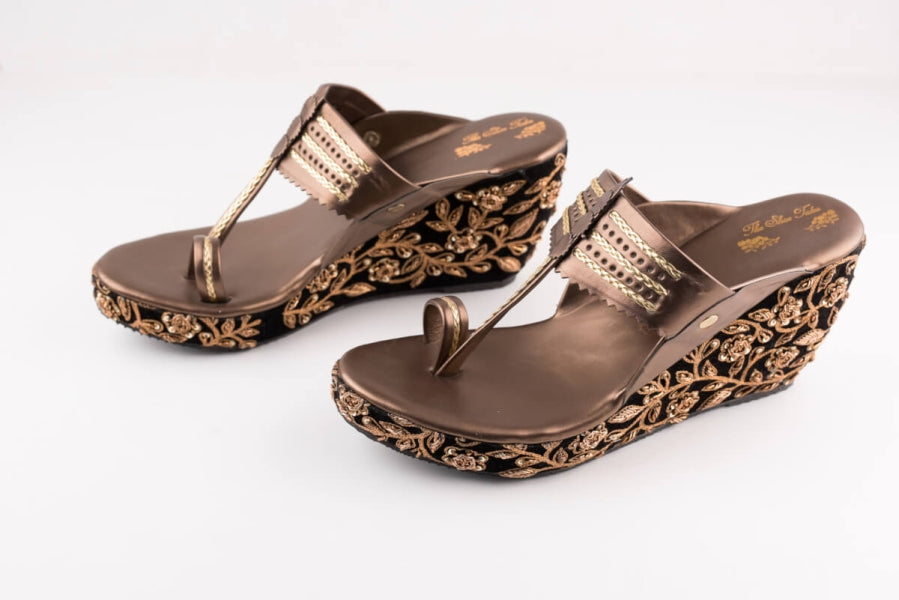 BALCK VELVET EMBROIDERED KOLHAPURI WEDGES