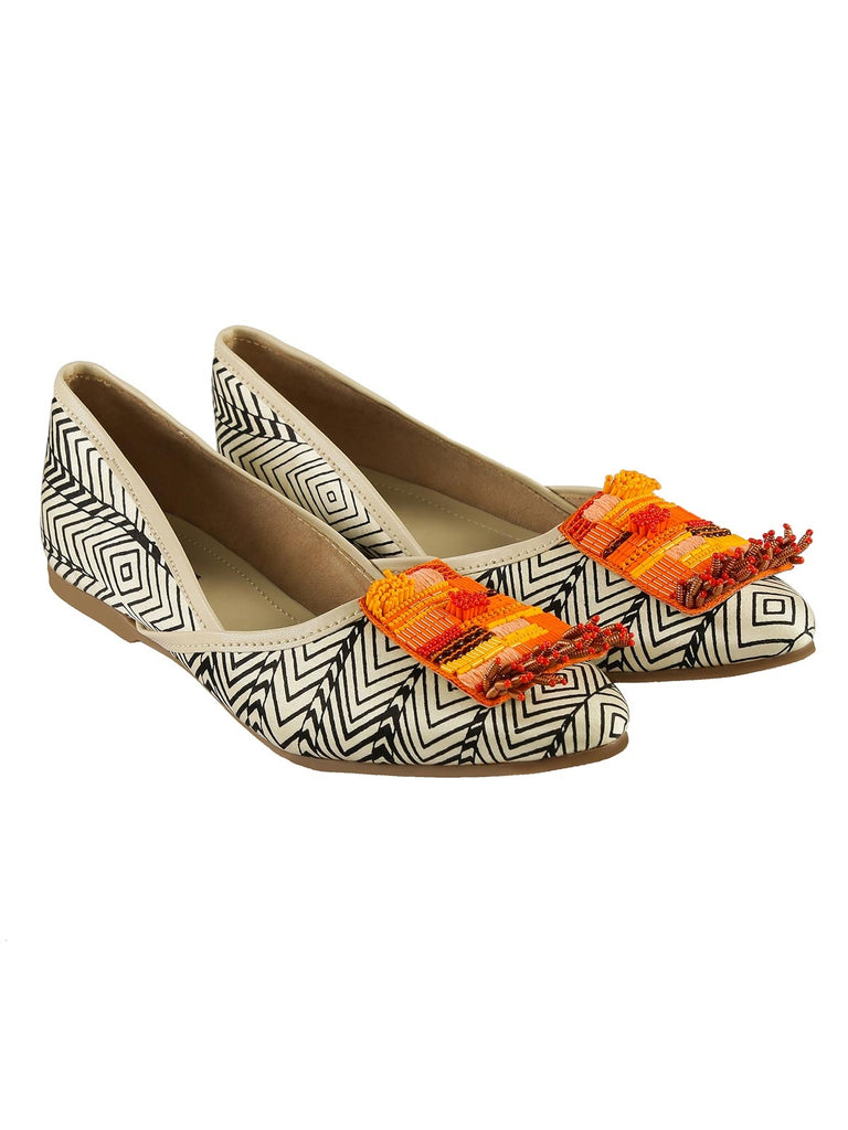 Black White And Orange Sarabi Aztec Printed Mojdis