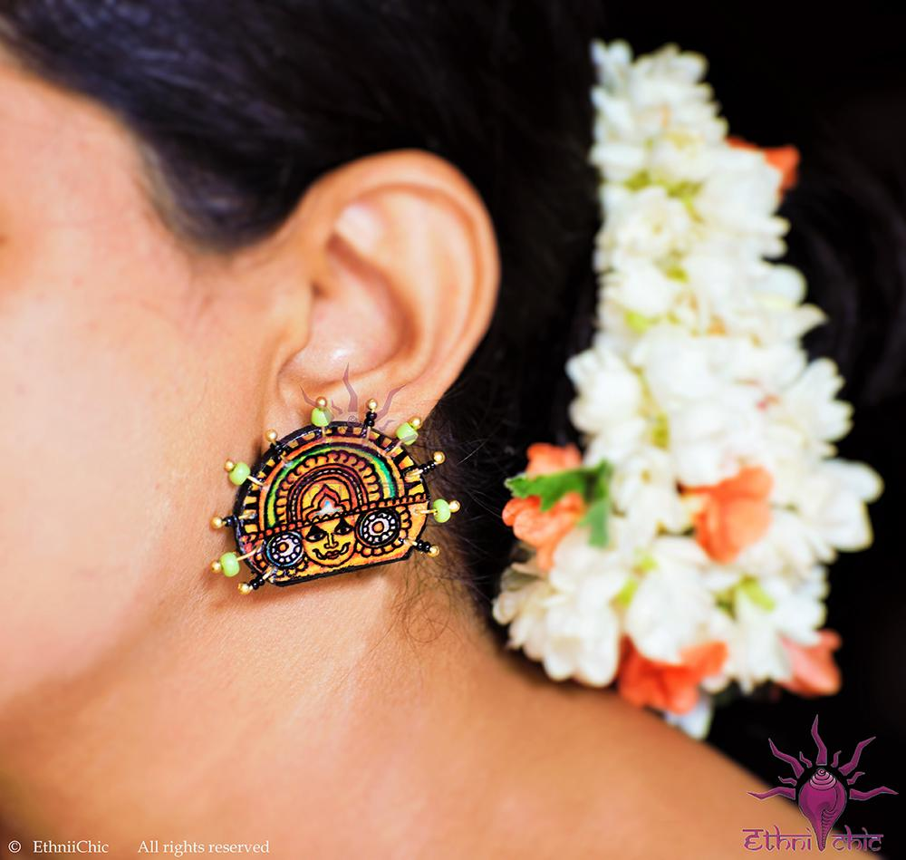 Ethniichic Hand Painted Multicolor Mural Design With Black And Green Color Agate Beads Wood Earring