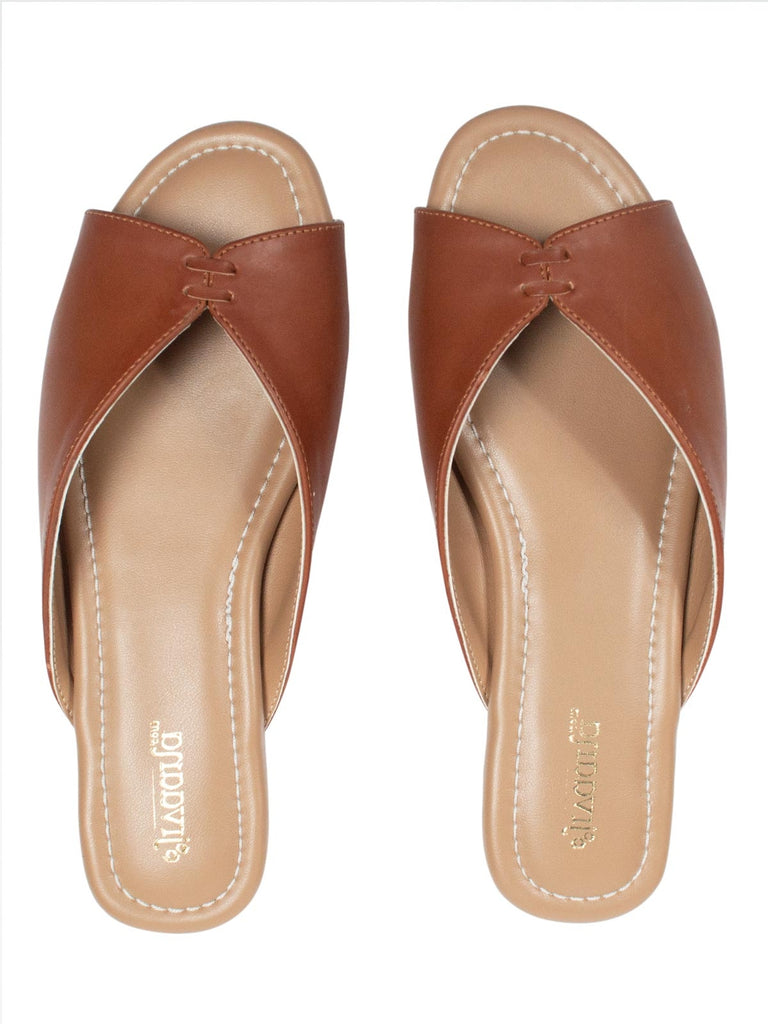 Ojas Cross Tie Tan Sandals