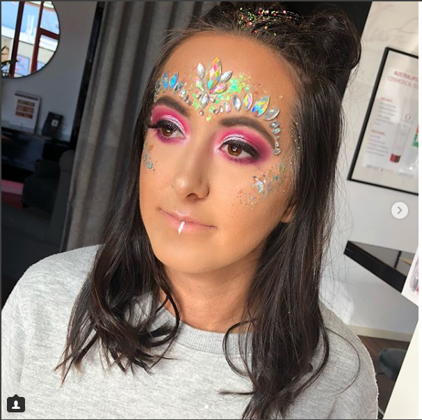Tips for wearing Glitter Makeup