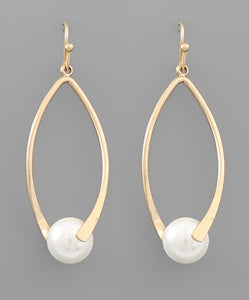 Curved Bar Pearl Earrings