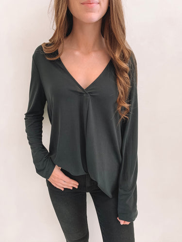 Black Basic Long Sleeve Vneck