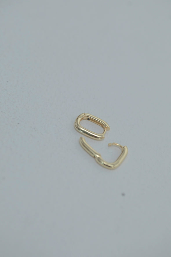 Square pierce PR900020