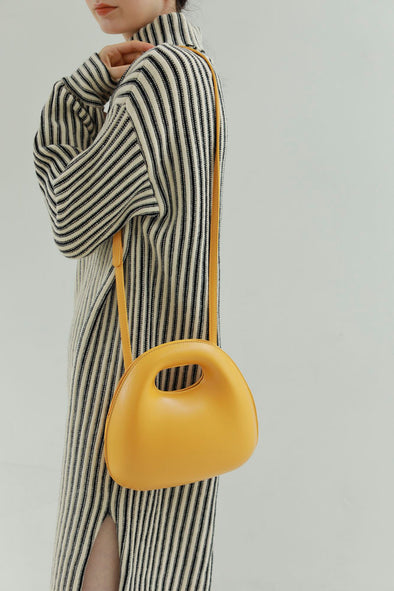 egg shoulder bag PR360021