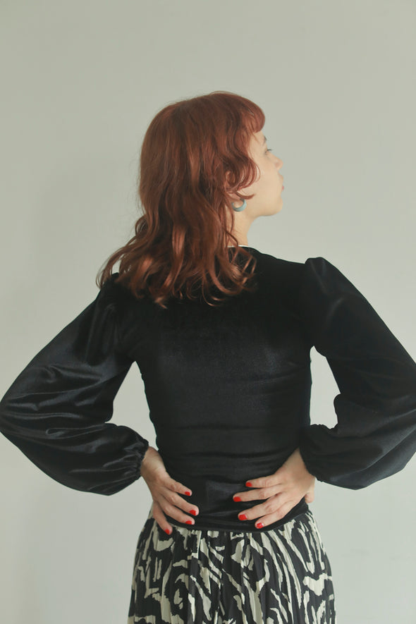 square neck velour top PR070080