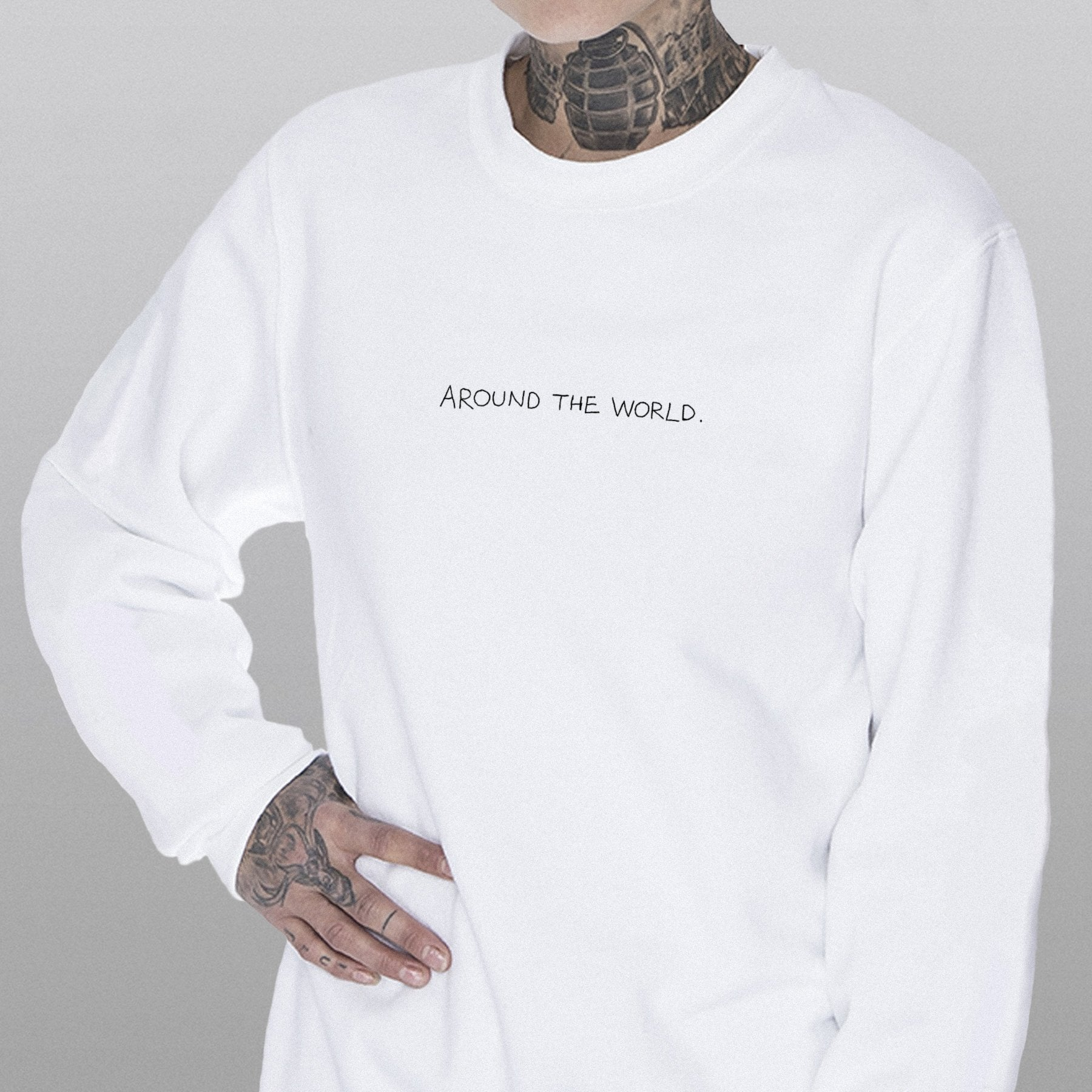 AROUND THE WORLD Crewneck