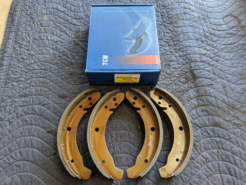 Rear Brake Shoe Set, 68-79 I