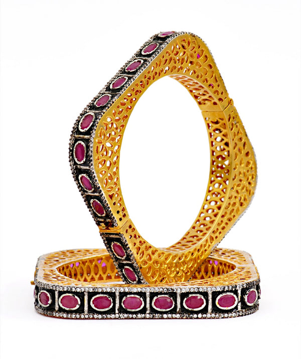 Openable Ruby Color Stone Square Shape Black Enamel Bangle