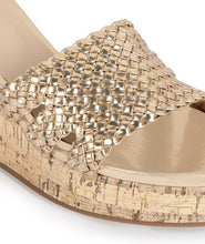 Load image into Gallery viewer, Signora Wedges - Gold