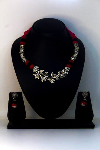 EthniCache™ Silk Thread Jewelry Silk Thread Jewellery with Large Oxidized Floral Pendant