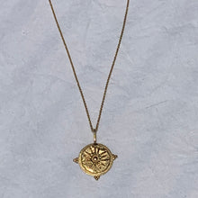 Sun-drenched Pendant Necklace - no stone
