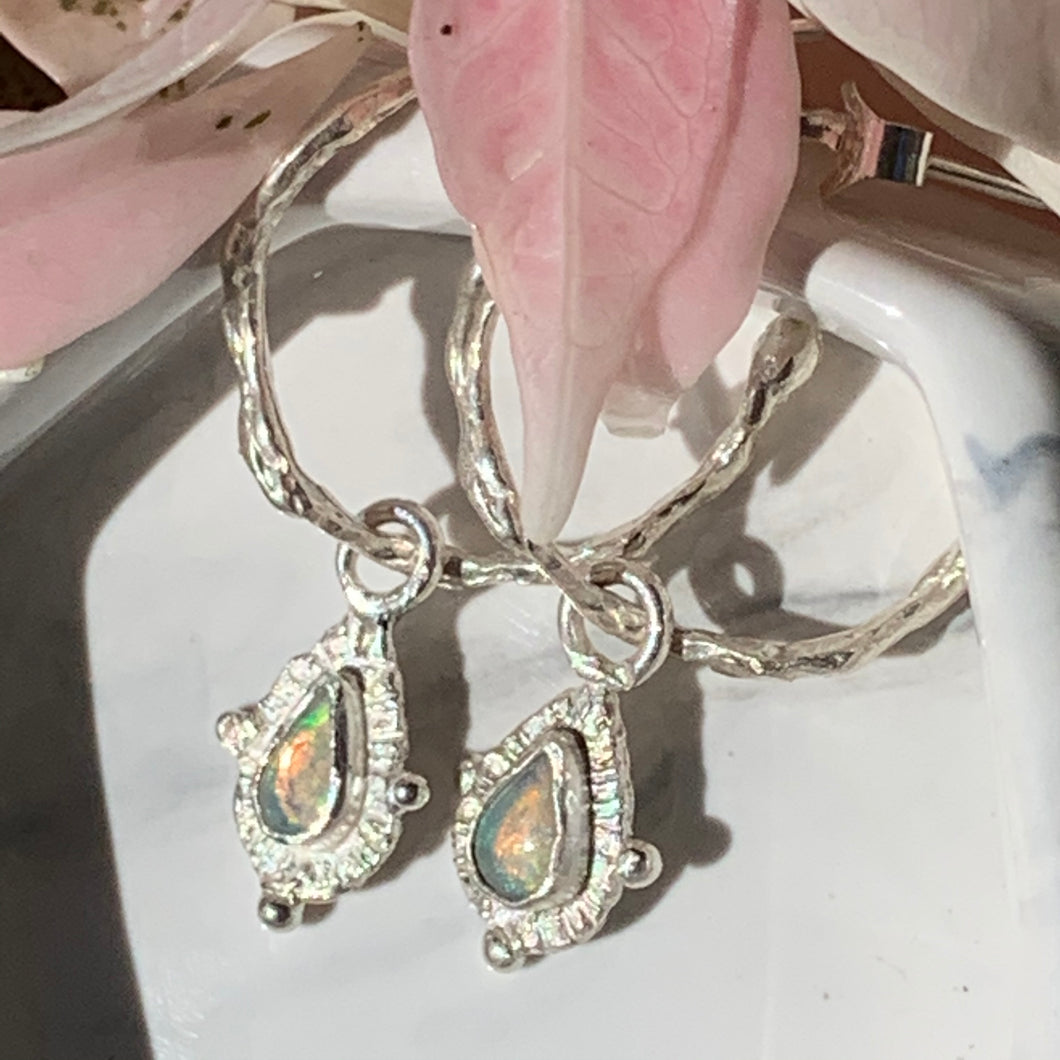 Wavy hoop earrings with Australian opal charms