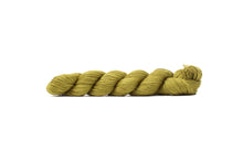 blue sky fibers alpaca silk yarn peridot