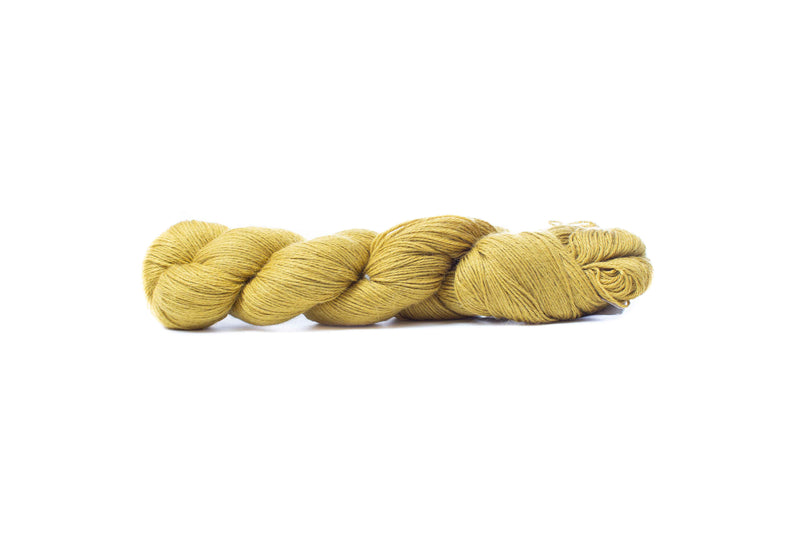 cascade sorata fingering yarn antique moss 18