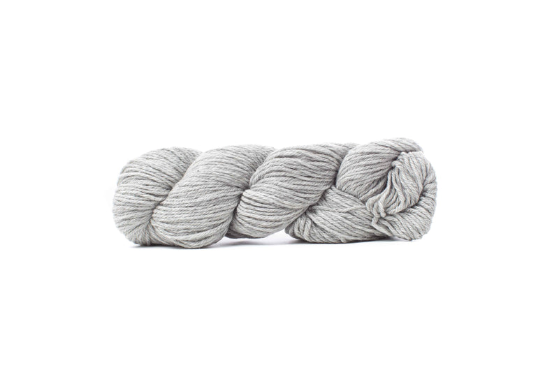 cascade 220 yarn silver grey 8401