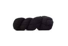 cascade 220 yarn black 8555