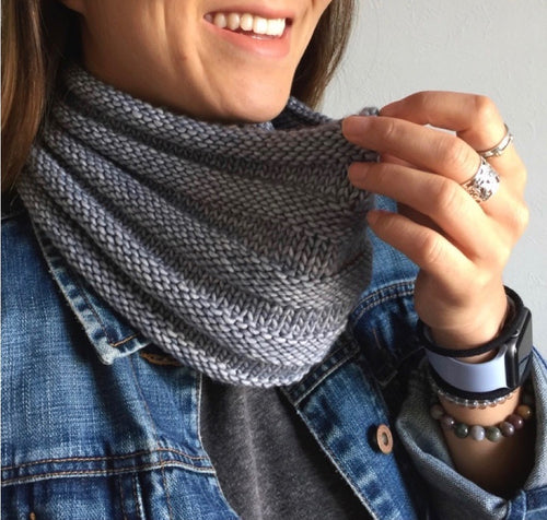 FREE: Your First Knitting Cowl